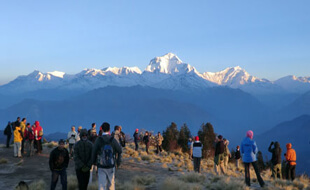 easy annapurna trekking tour with children